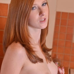 Linda Sweet in 'DDF' Newbie In The Nude (Thumbnail 3)