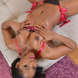 Jasmine Webb in 'DDF' Cumming On Her Candy (Thumbnail 9)