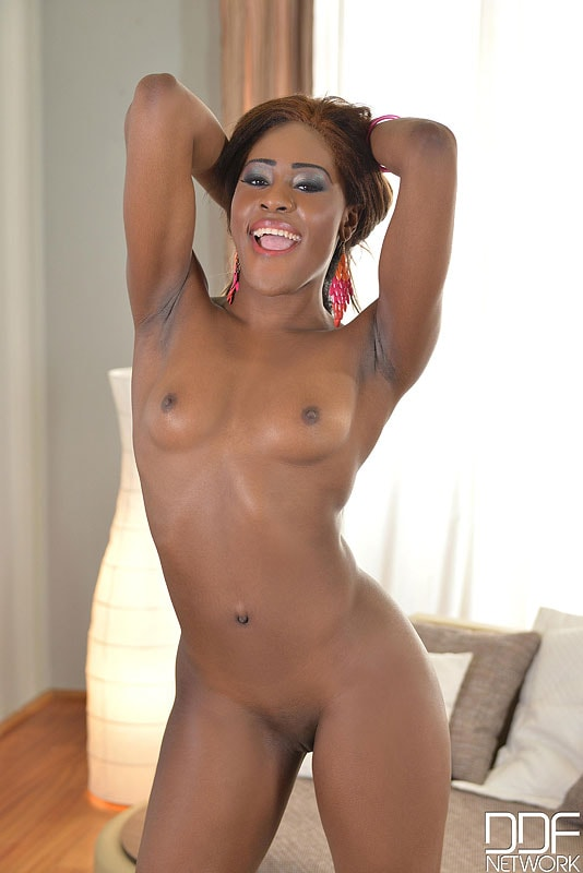 DDF 'Luscious On The Couch' starring Maria Ryder (photo 14)